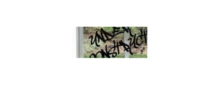 Les grafittis et taches